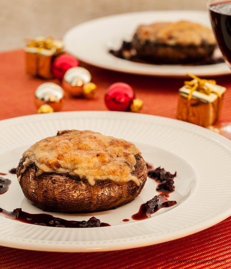 Gevulde portobello's - Paddestoelen met een vulling van kaas en walnoot.