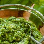 Verse pesto - Italiaanse saus van basilicum, pijnboompitjes, parmezaanse kaas en knoflook.