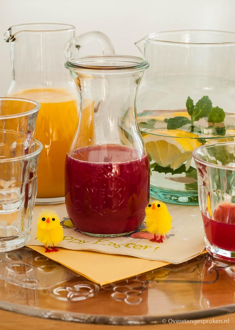 Homemade drinks - 3 recepten voor zelf te maken drankjes. Limonade met vers granaatappelsap, vers vruchtensap en verfrissend citroenwater.