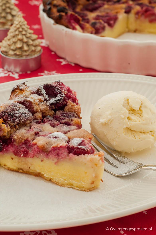 Frambozenclafoutis - Klassiek Frans dessert. Lekker zacht en zoet met een frisse toon van framboos.