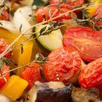 Geroosterde groenten uit de oven - Makkelijk te maken bijgerecht vol vrolijke kleurtjes.
