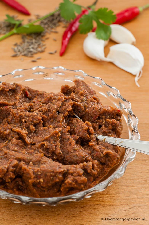 Harissa - Hete Arabische saus. Ideaal als basis voor een Turkse pizza of pittige curry.
