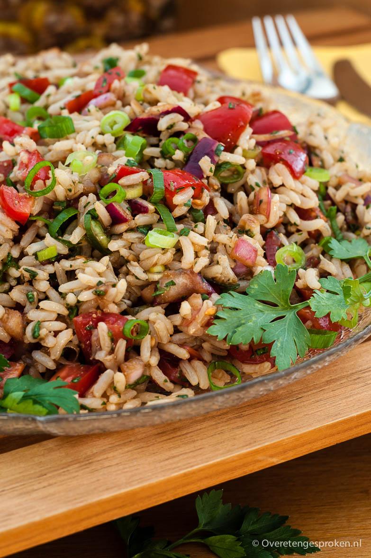Chimichurri-rijstsalade - Verrassende maaltijdsalade geïnspireerd op de Argentijnse chimichurri-saus