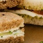 Sandwiches - Gesneden, dubbele boterhammen belegd met lekkere vullingen. Heerlijk bij een high tea of tijdens een picknick.