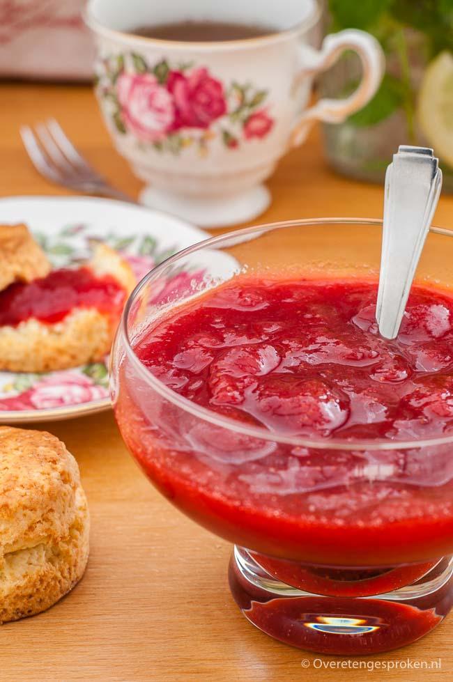 Homemade jam - Met dit recept maak je van verse aardbeien een heerlijke jam. Maar je kan natuurlijk ook ander fruit gebruiken.
