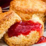 Scones - Recept van Delia Smith voor echt Engelse scones. Heerlijk met homemade jam en clotted cream.