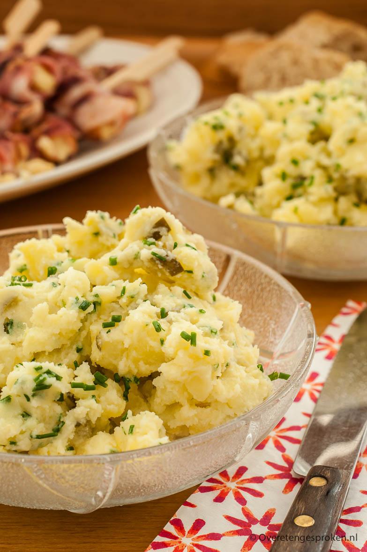 Frisse aardappelsalade - Lekker bij de barbecue maar ook heerlijk met een stukje gegrilde zalm op een doordeweekse dag.