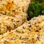 Kip alla palermitana - Dun gesneden kipfilet in een kruidige korst. Gegaard in de oven dus lekker makkelijk.