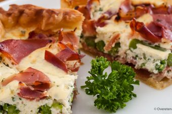 Quiche met groene asperges, ricotta en serrano ham