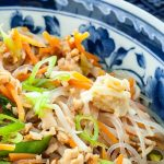 Glass noodles met ei en groente - Oosters geïnspireerde glass noodles met ei en groente. Licht verteerbaar en zeer smaakvol.