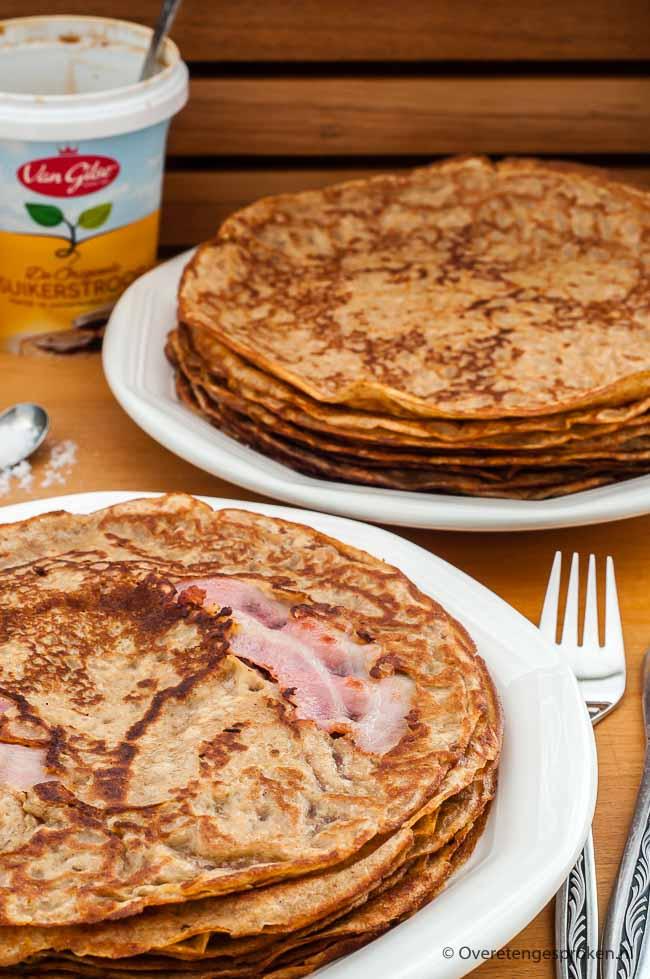 Pannenkoeken - Met dit recept maak je extra lekkere pannenkoeken. Het geheim: volkorenmeel en een beetje vanillesuiker! Vooral eens proberen...