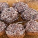 Soepballetjes - Magere maar toch sappige en smaakvolle balletjes voor in de soep. Maak gelijk een dubbele portie en vries een deel in voor later gebruik.