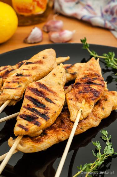 6 recepten voor een complete barbecue - Een lekkere starter, 2 soorten spiezen, 2 leuke bijgerechten en natuurlijk een lekkere afsluiter.