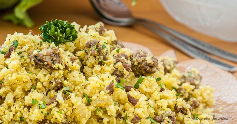 Pittige bloemkool couscous - Leuk en verrassend gerecht van bloemkool, rul gebakken gehakt en op smaak gemaakt met heerlijk pittige kruiden.