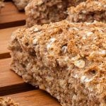 Rustiek sodabrood - Binnen een uur vers en heerlijk geurend brood op tafel? Dat kan met dit makkelijke recept. En het deeg hoeft niet gekneed te worden!