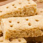Shortbread fingers - Traditioneel Engelse zandkoekje, te lekker om vanaf te blijven! Door het koekje te bakken op lage temperatuur blijft het mooi blank.