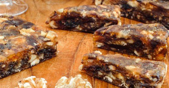 Dadelbrood met walnoten