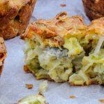 Hartige muffins - Heerlijk smeuïge muffins met de hartige smaak van gorgonzola. Lekker bij de borrel, een buffet of een kop soep. Onweerstaanbaar lekker!