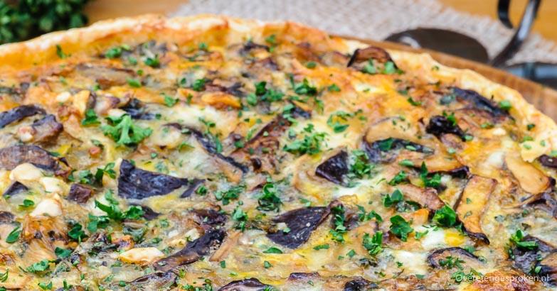 Quiche met paddenstoelen, gorgonzola en hazelnoot