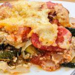 Deze lasagne met gegrilde groenten en Risenta is het perfecte alternatief voor lasagne met pastavellen. Het bevat minder koolhydraten maar wel veel eiwitten en vezels en is super voedzaam. Door de Risenta is het glutenvrij.