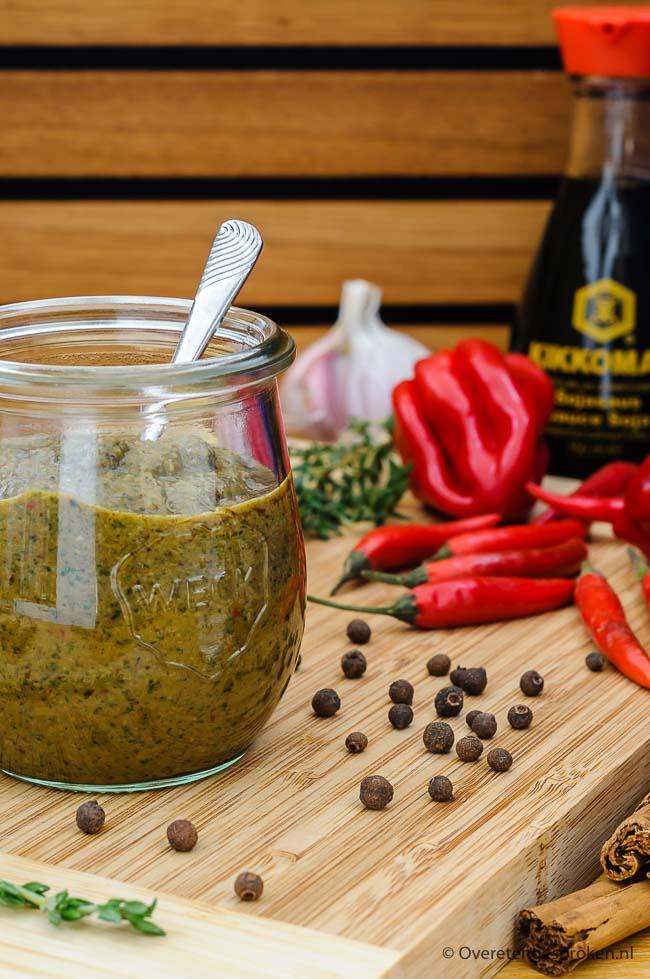 Jerk marinade - Gepeperde Jamaicaanse marinade. Door de heerlijke geur en smaak waan je je echt even in Caribische sferen.