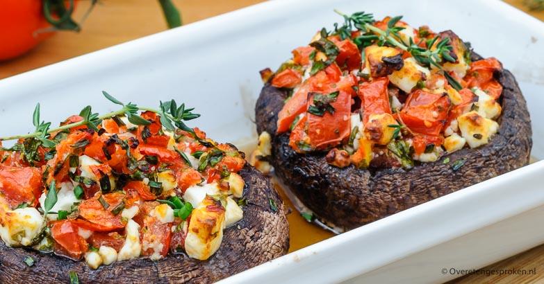 Portobello gevuld met tomaat en feta