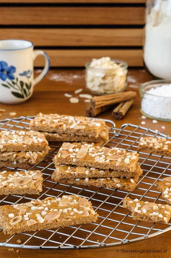 Jan Hagel koekjes - Ouderwetse lekkere koekjes met geschaafde amandelen en greinsuiker. Simpel te maken, leuk om te presenteren.