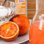 Limonade van bloedsinaasappel - Verfrissend drankje van bloedsinaasappel, citroen en een vleugje oranje bloesem water. Je waant je even in Oosterse sferen.