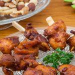 Hete kipspiesjes - Makkelijk te maken borrelhapje dat zowel warm als koud erg lekker is. Kan zowel in de oven als op de barbecue worden bereid.