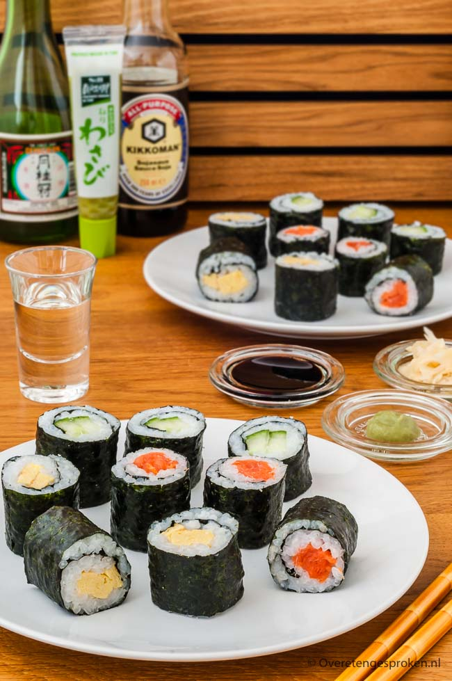 Zelf sushi maken - Sushi maken is helemaal niet moeilijk. Ik leg je uit wat je nodig hebt en hoe je sushi maakt. Leuk om te doen en super lekker!