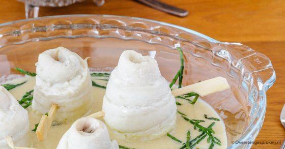 Scholrolletjes met beurre blanc en zeekraal