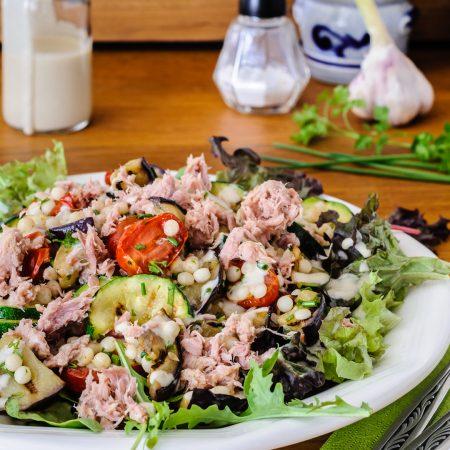 Parelcouscous met gegrilde groenten en tonijn