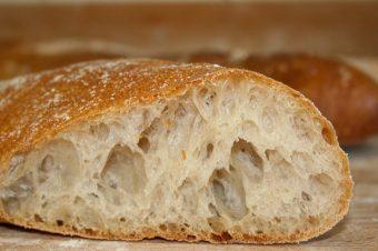 Brooddeeg laten rijzen: desem, gist en baksoda