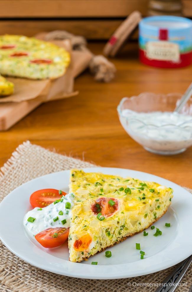 Omelet met courgette, rozemarijn en geitenkaas - Begin je dag goed met dit heerlijke ontbijt vol groente en eiwitten. Ook lekker als lunch of 4-uur snack.