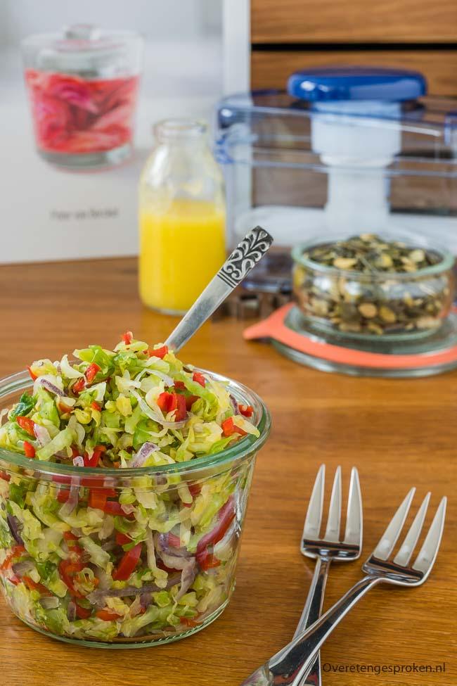 Pickle van spitskool, paprika en ui - Heerlijk knapperige en kleurrijke salade. Extra gezond door de Japanse manier van fermenteren.
