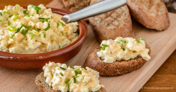 Eiersalade met kaas en truffel mayonaise