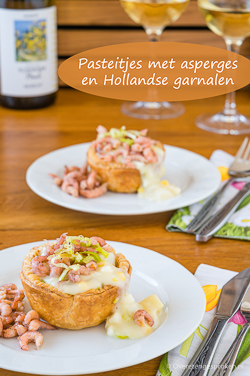 Pasteitjes met asperges en Hollandse garnalen - Feestelijk voorgerecht van witte asperges, prei, ei en Hollandse garnalen.
