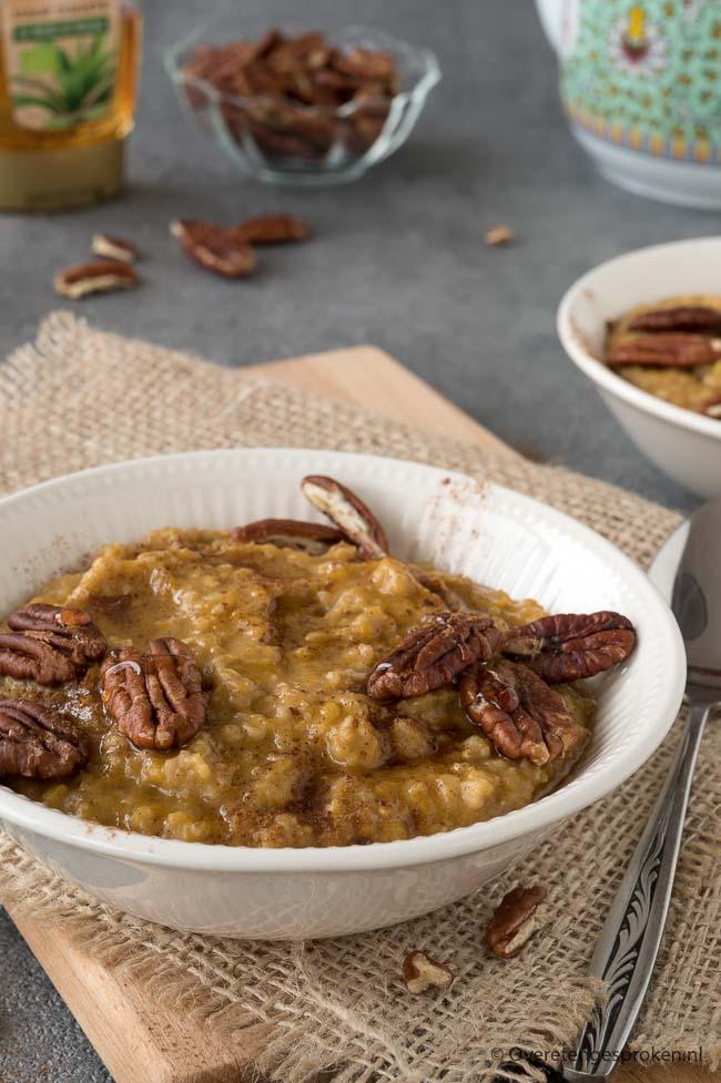 Pumpkin spice oats ofwel havermout met pompoen - Start je dag energiek met dit heerlijke ontbijt vol fijne smaken.