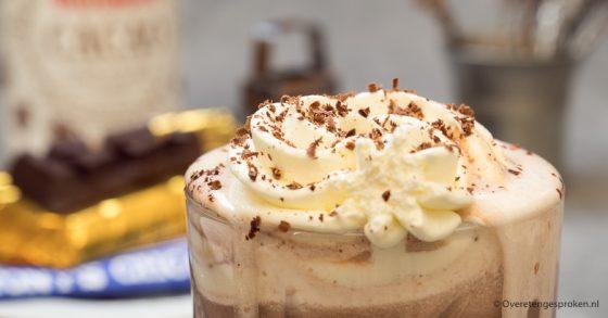 Chocolademelk met slagroom