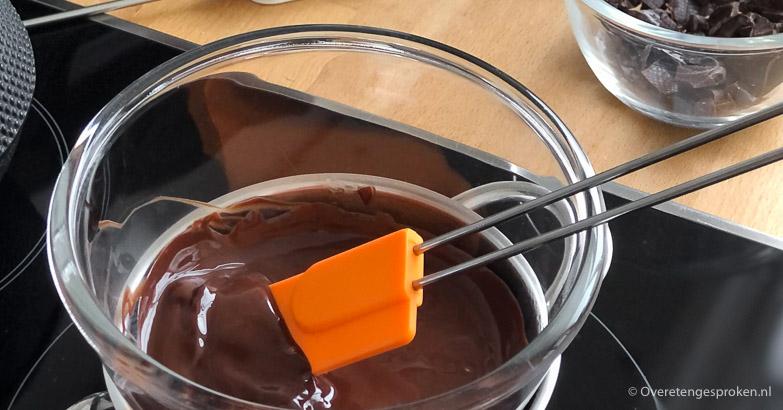 Thuis makkelijk chocolade tempereren