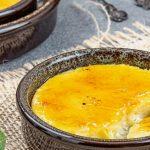 Crema Catalana - Zacht en romig met de verfijnde smaken van sinaasappel en kaneel. Maak het recept en geniet ook van dit Spaanse toetje!